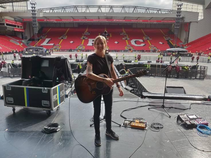 Guitar Tech Claire Murphy